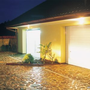 Brama garażowa segmentowa UniPro - RAL 9016
